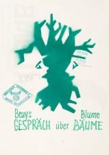 Joseph Beuys und Bernhard Blume, Gespräch über Bäume, Galerie Magers, Bonn am 24.4.1982 Entwurf: Bernhard J. Blume. Aquarell mit Schablone und Filzstift in grün mit zwei Stempeln, signiert. Sammlung des Kunstmuseums Mülheim an der Ruhr, Copyright 2021 Joseph Beuys Estate / VG Bild-Kunst, Bonn - Kunstmuseum Mülheim an der Ruhr, Copyright 2021 Joseph Beuys Estate / VG Bild-Kunst, Bonn