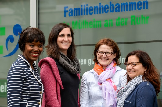 Das Team der Familienhebammen in Mülheim an der Ruhr. Von links: Jennifer Jaque-Rodney, Desiree von Bargen, Kerstin Neuhaus, Veronique Stoll.