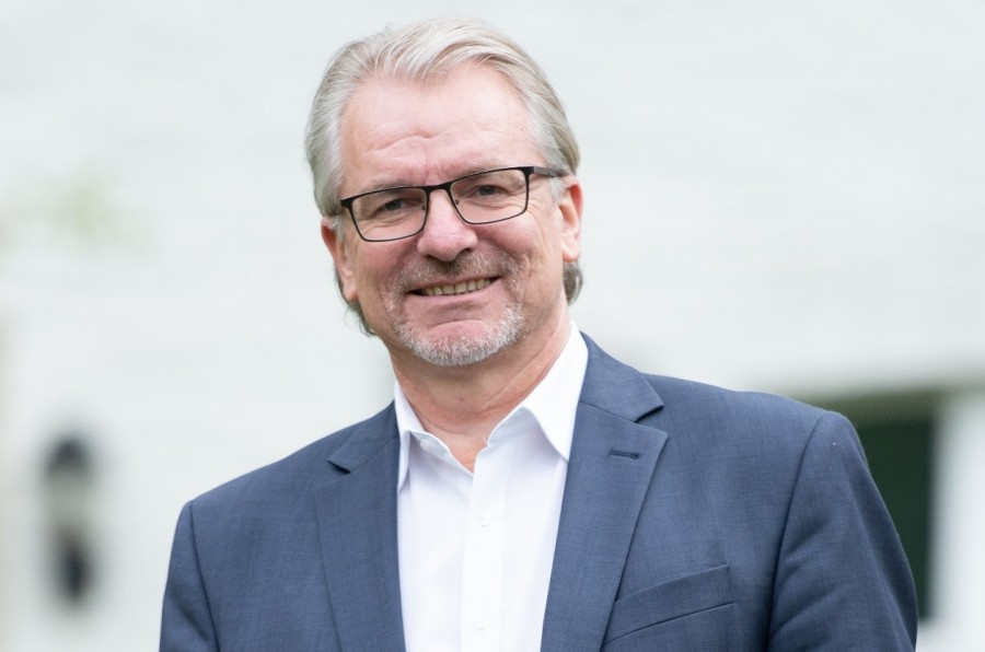 Porträtfoto im Querformat von Oberbürgermeister Marc Buchholz - Marc Buchholz